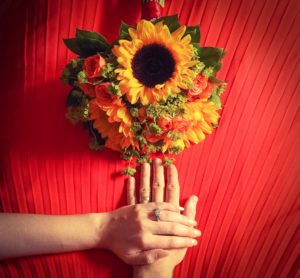 hands-rings-and-bouquet